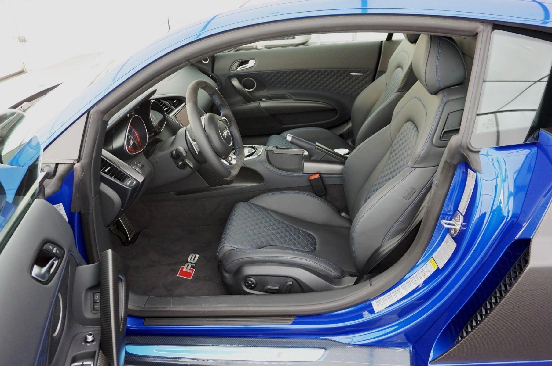 Audi Lauzon | Audi R8 LM 2015 - vue de l'intérieur