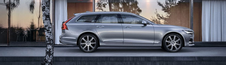 VOLVO V90 2019 - photo de cote