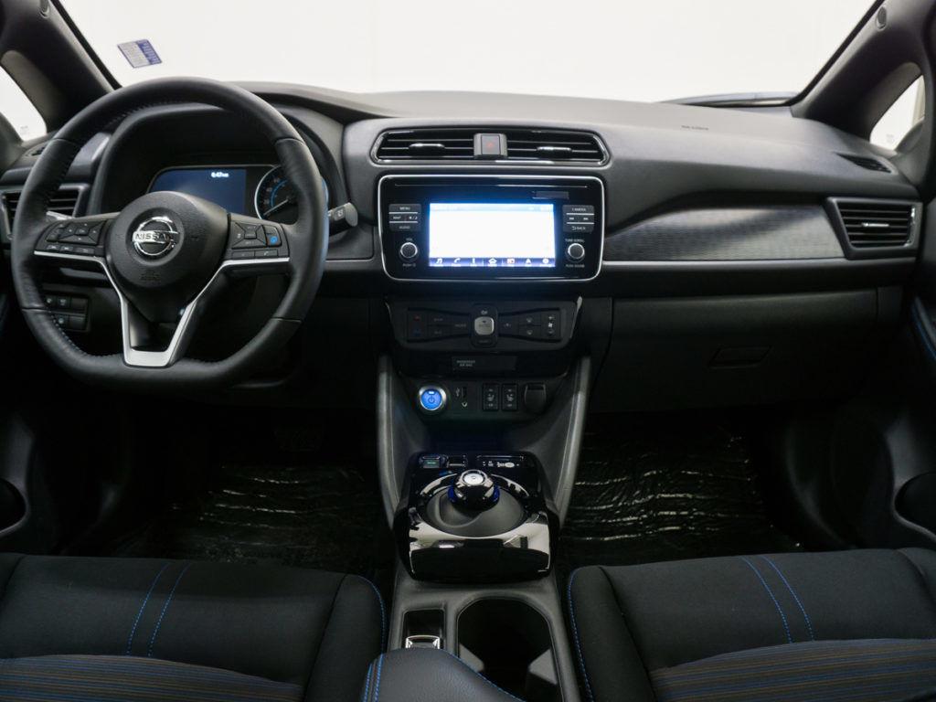 2018 nissan leaf - front of steering wheel