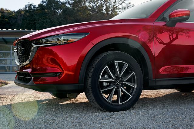 Mazda CX-5 focus sur pneu