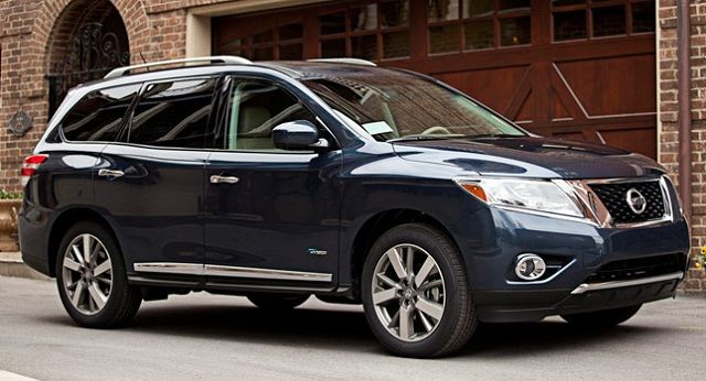 2015 Nissan Pathfinder: Find your path