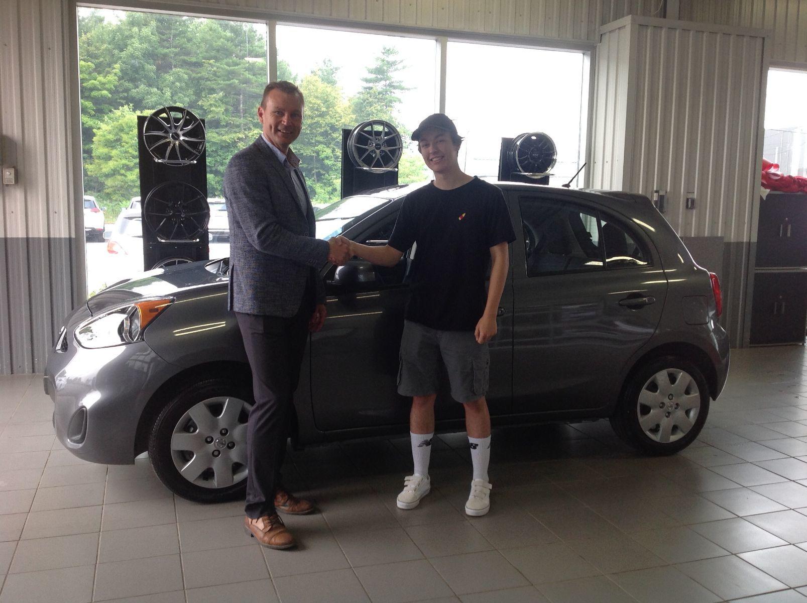 Merci à M. Koslosky de Piedmont pour l'achat de sa nouvelle Nissan Micra 2019!