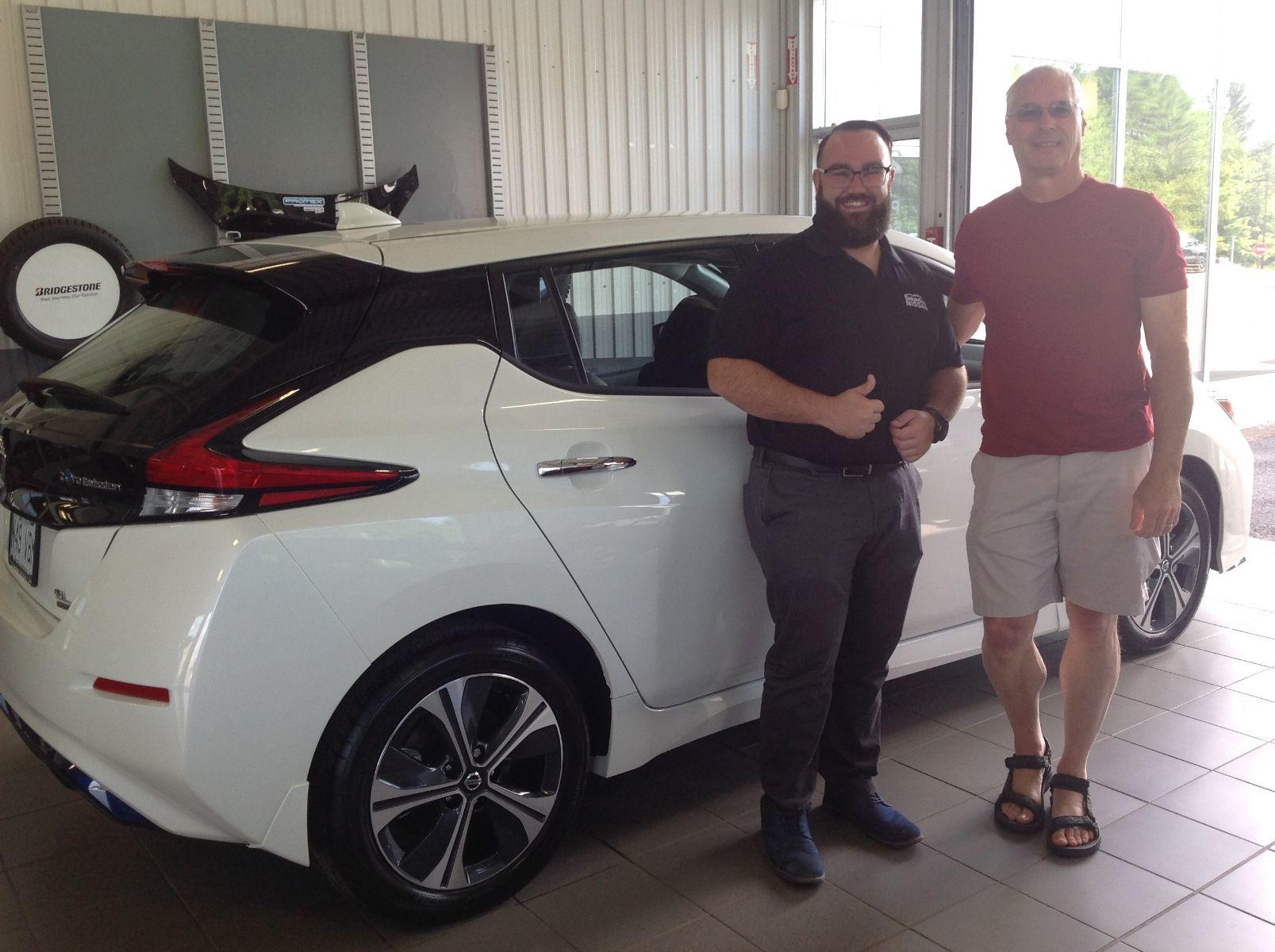 Merci à M. Raynald Asselin de Laval pour l'achat de sa nouvelle Nissan Leaf 2019!