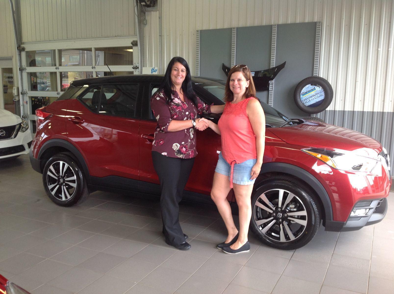 Merci à Mme. Mélanie Lauzon de Mirabel pour l'achat de son nouveau Nissan Kicks 2019!