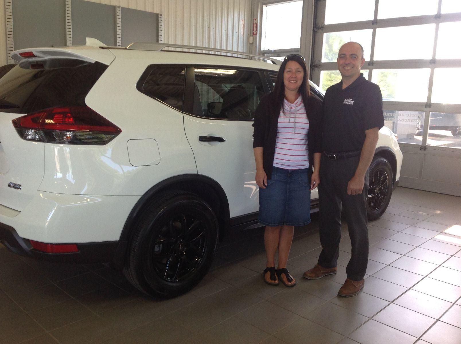 Merci à Mme. Lucie Boivin de Sainte-Sophie pour l'achat de son nouveau Nissan Rogue 2019!