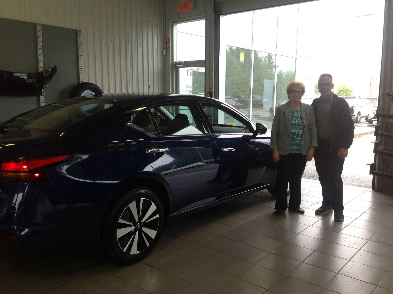 Félicitation à Mme Blanche Bissonnette de Brownsburg Chatham pour l'acquisition de votre tout nouveau Nissan Altima 2019!
