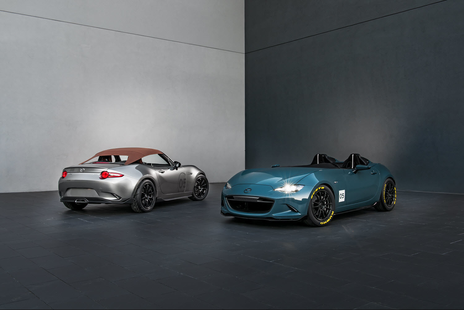 Mazda shows two specials MX-5 at the SEMA Show
