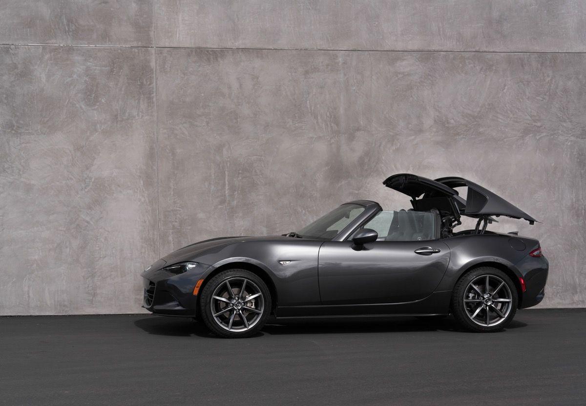 How Does The Mazda MX-5 RF's Roof work?
