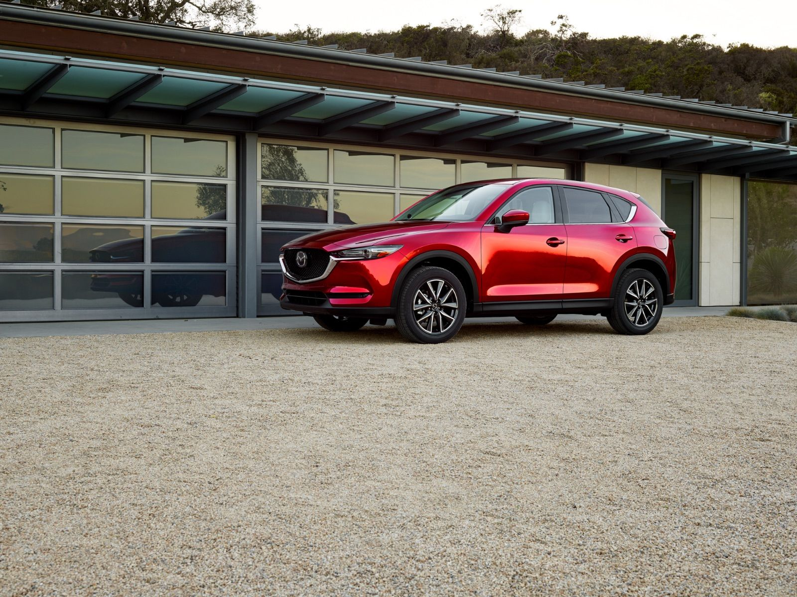 Mazda CX-5 vs Lexus NX300: Motor Trend Calls Them Equally Matched, But There's One Clear Distinction