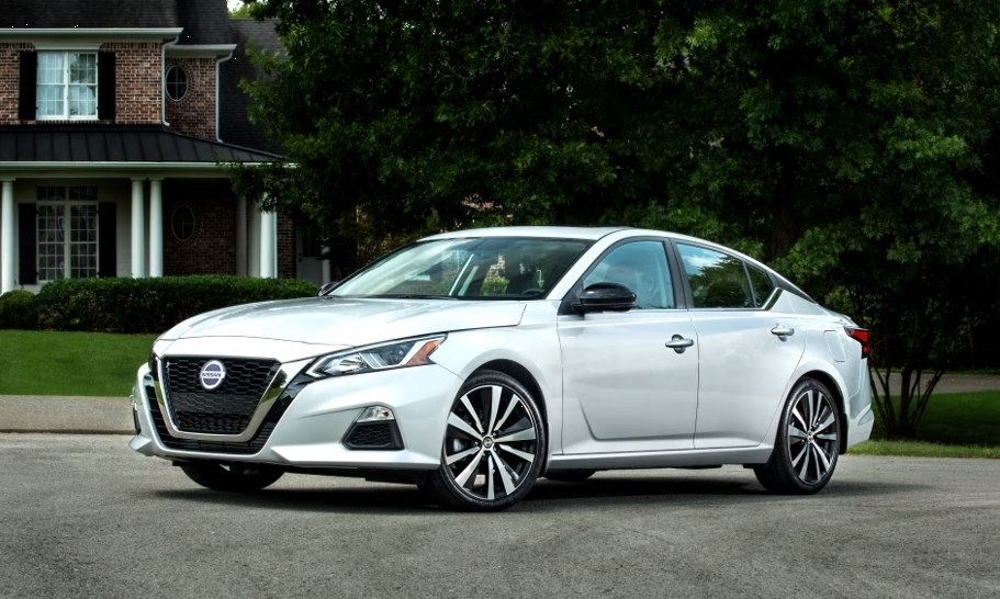 Redesigned 2019 Altima Priced at Only $27,998 Despite Standard AWD