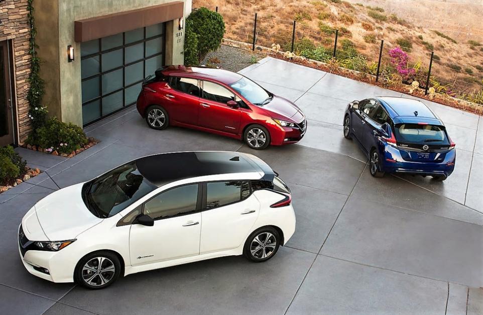Nissan Leaf Sells 300,000th Unit for Best-Ever EV Results