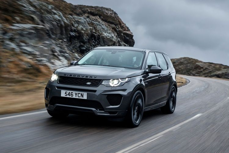 Ride in Comfort: Top Accessories for Your Land Rover