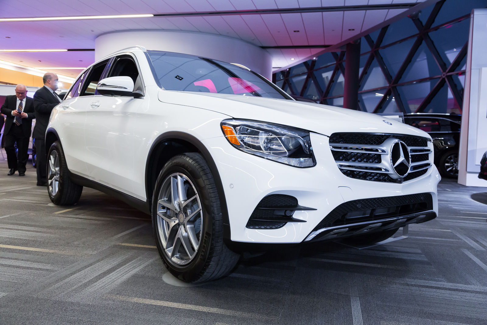Ottawa auto show 2016 mercedes benz glc by mierins for Mercedes benz ontario ca