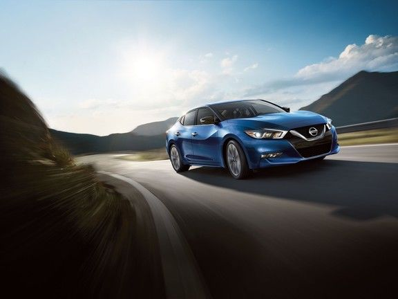 2017 Nissan Maxima: impressive combination of comfort and performance