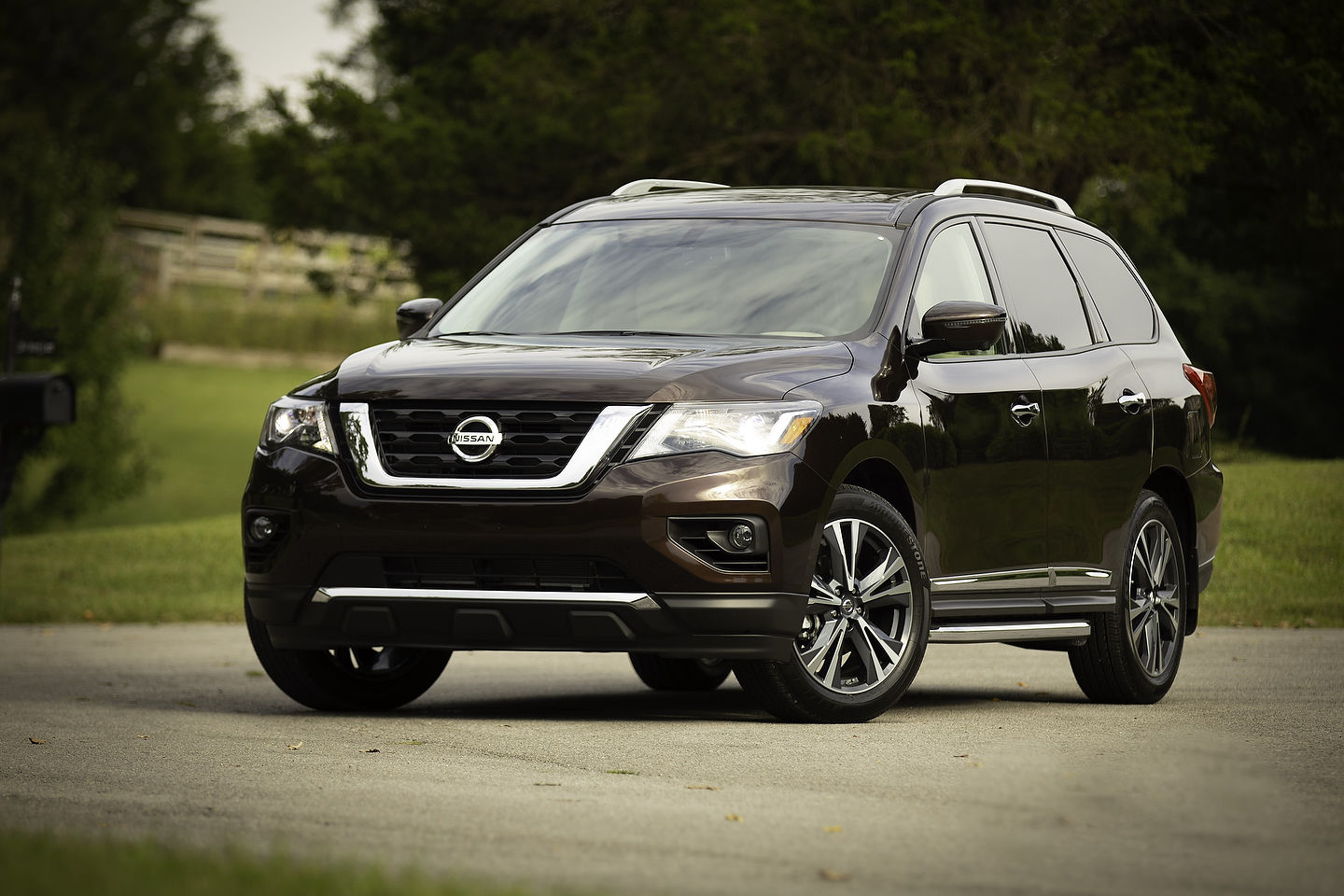 Safety and power with the 2019 Nissan Pathfinder