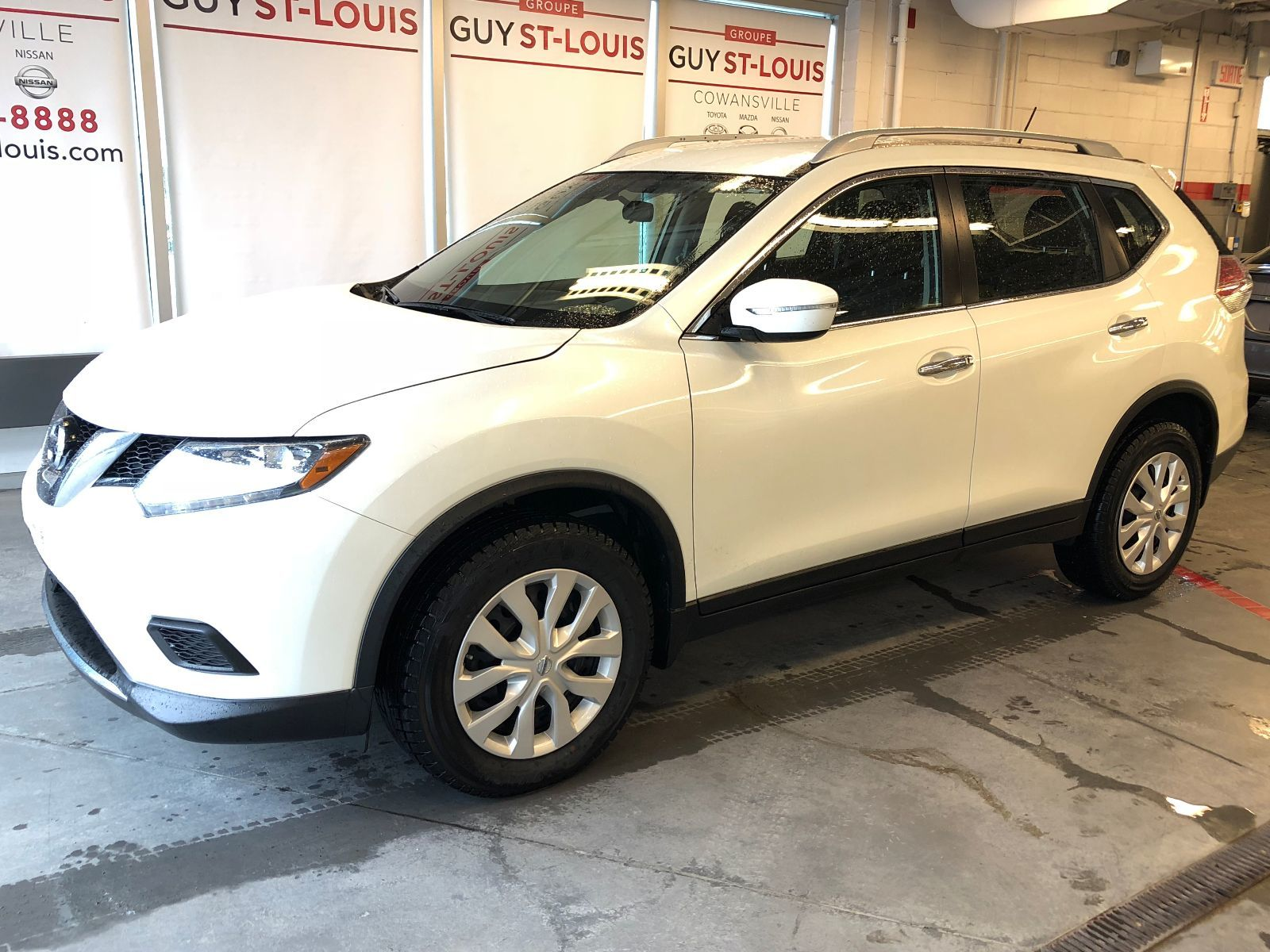 Pre Owned 2015 Nissan Rogue S AWD GARANTIE PLET 2020 in