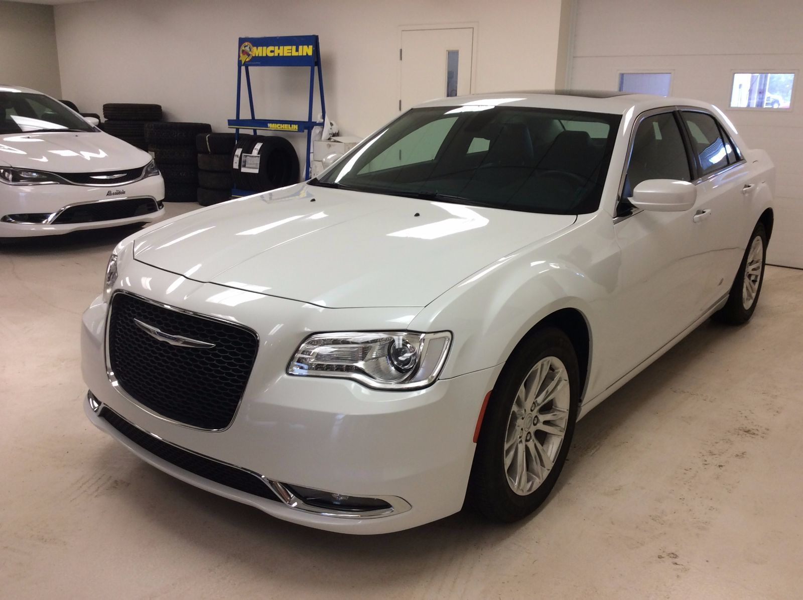 2015 chrysler 300 touring int cuir toit ouvrant gps d 39 occasion laurier station inventaire. Black Bedroom Furniture Sets. Home Design Ideas