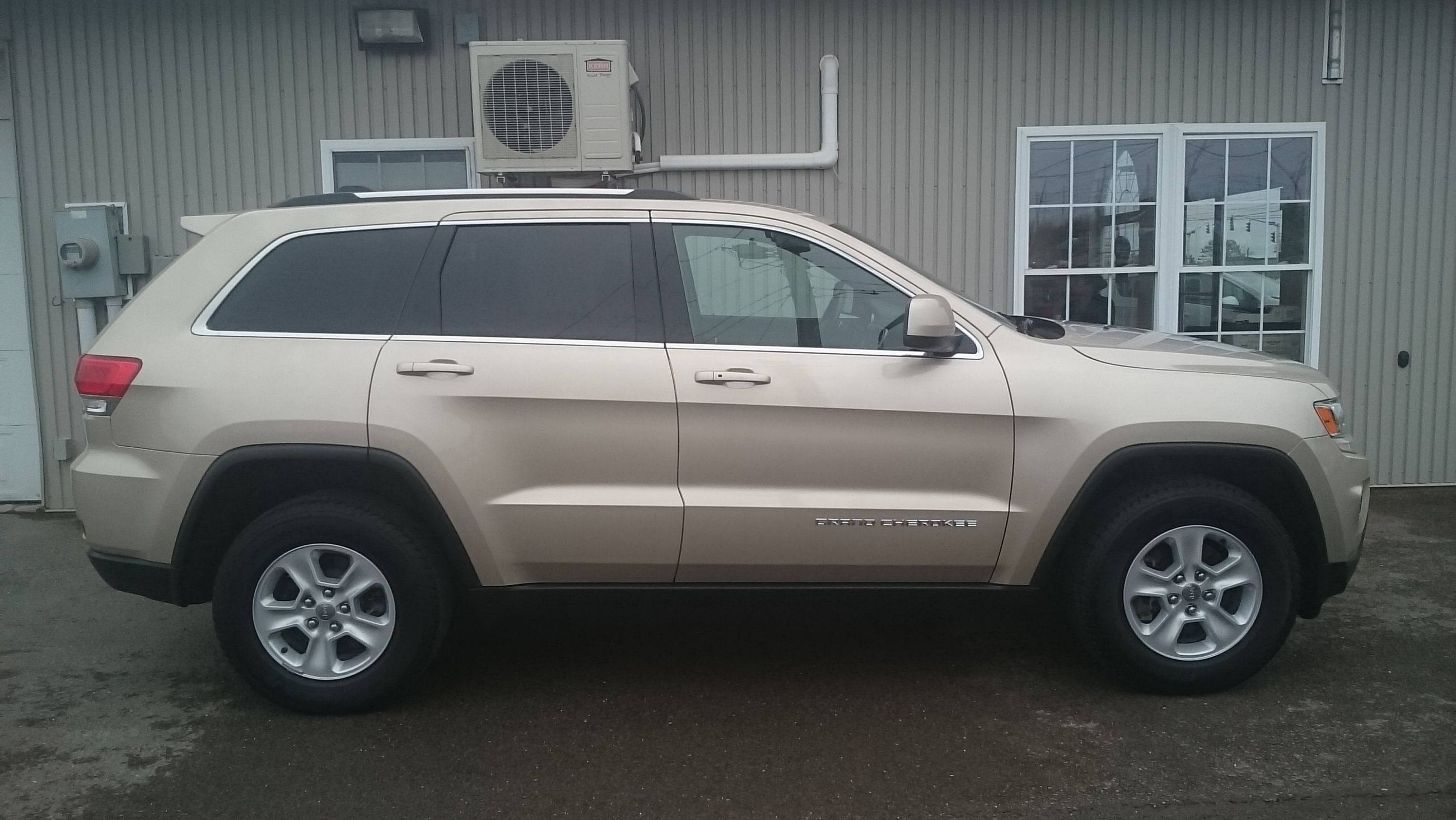 used 2015 jeep grand cherokee laredo in fredericton used inventory fredericton kia in. Black Bedroom Furniture Sets. Home Design Ideas