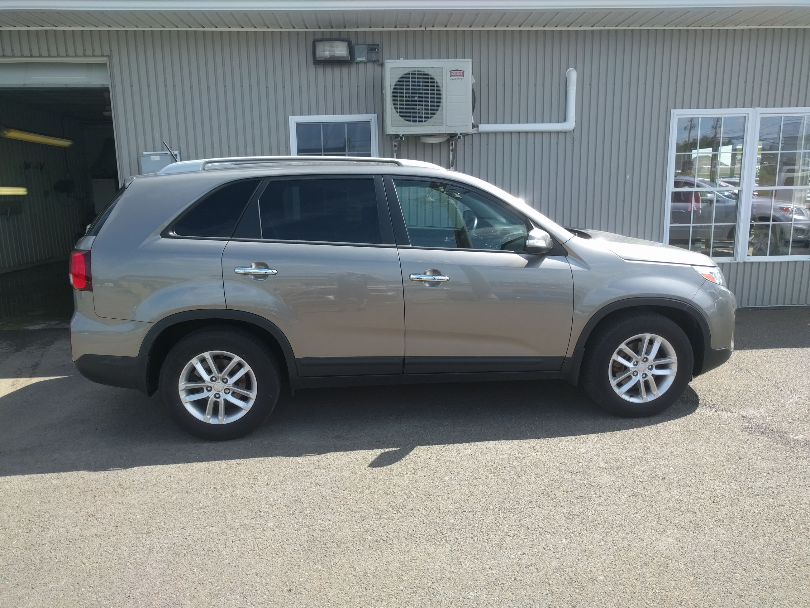 used 2014 kia sorento lx in fredericton used inventory maritime auto sales in fredericton. Black Bedroom Furniture Sets. Home Design Ideas