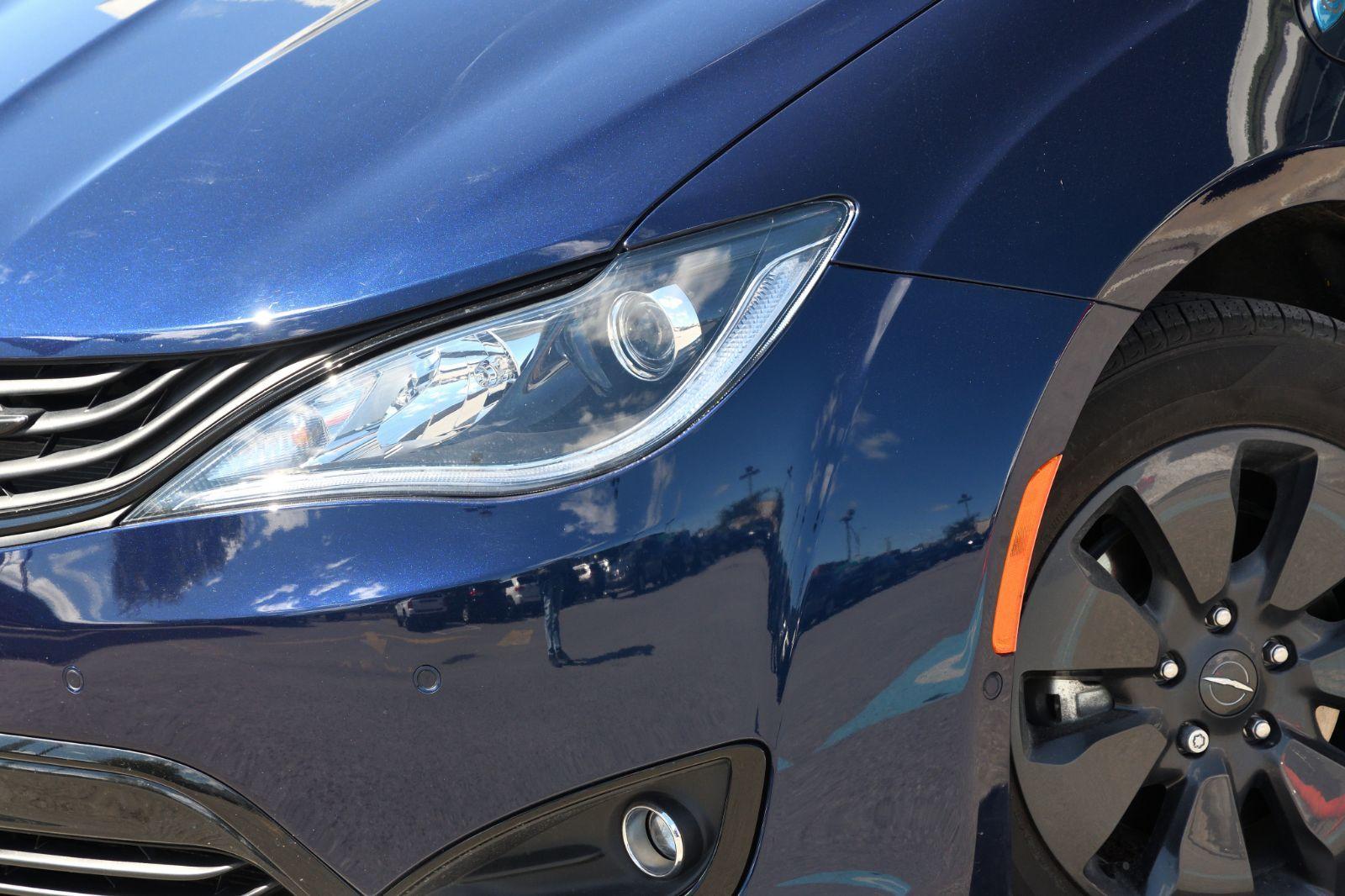 2019 Chrysler Pacifica Hybrid complet