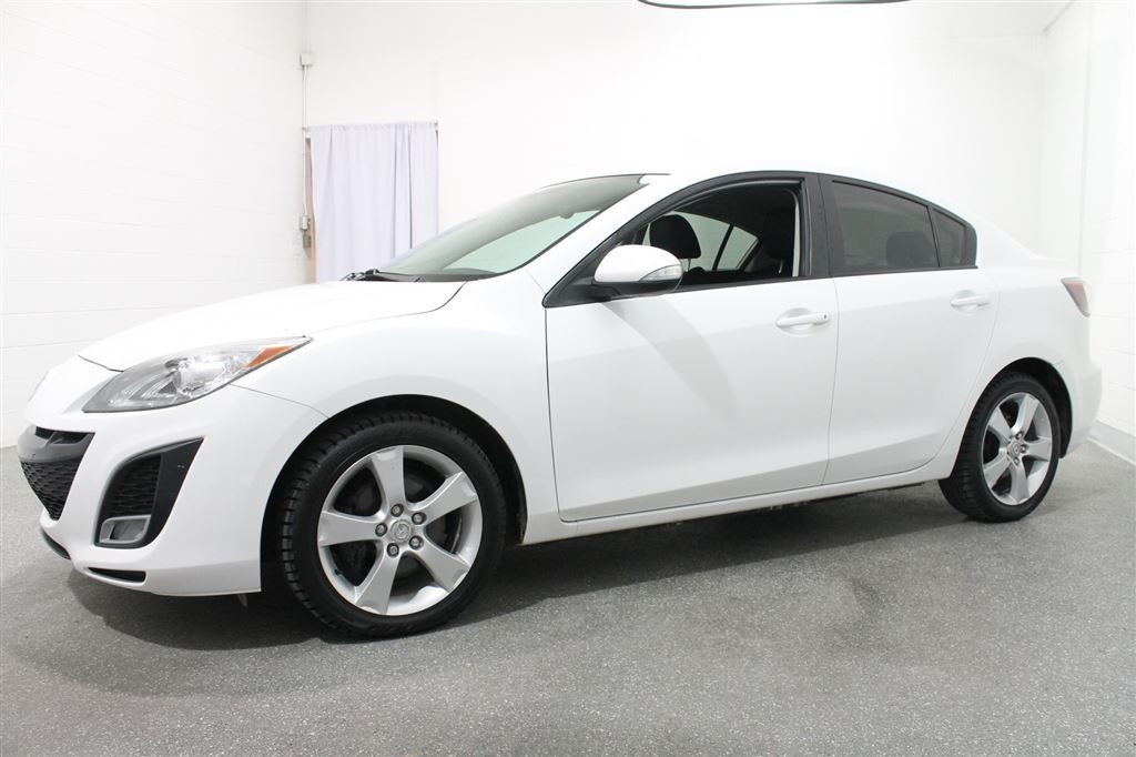 mazda mazda3 gt 2010 blanc 147 700 km 6495 0 grenier occasion a17 561 1. Black Bedroom Furniture Sets. Home Design Ideas