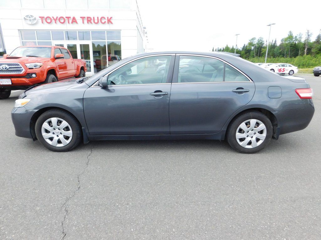 toyota camry 2011 size