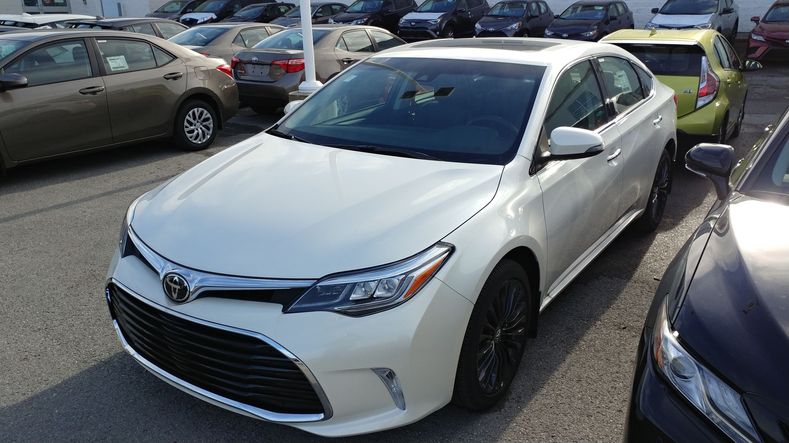title toyota of just avalon saloon the from a step sporty away is