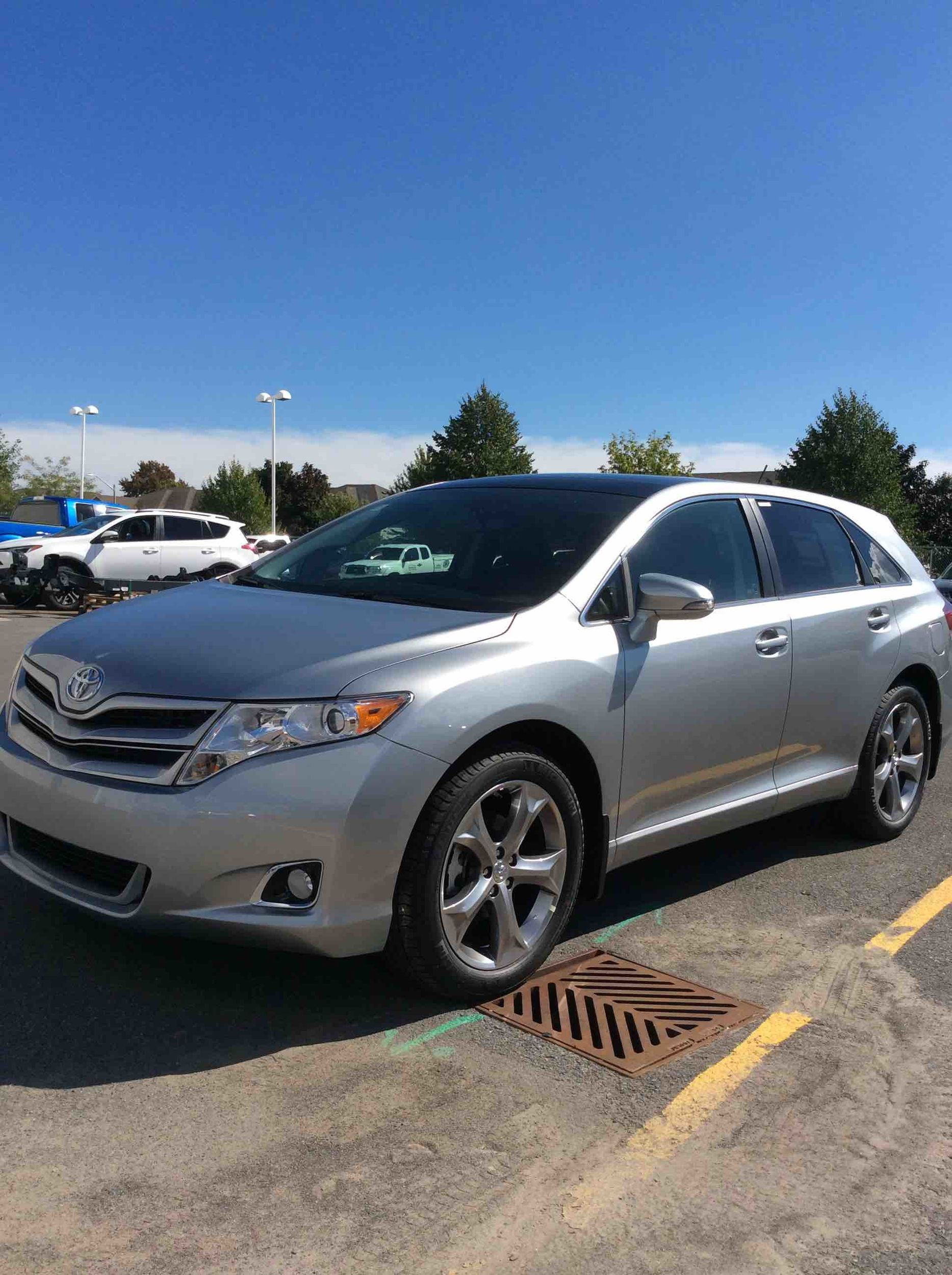 toyota pearl fwd large venza crossover groovecar research composite blizzard awd