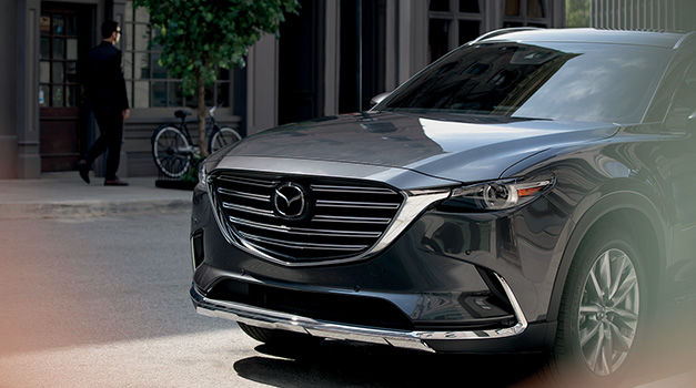 Save big on the purchase or lease of your next Mazda vehicle, on maintenance and parts or on our detailing services with our special offers.