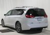 2017 Chrysler Pacifica Limited 7 Passenger & Navigation & Leather