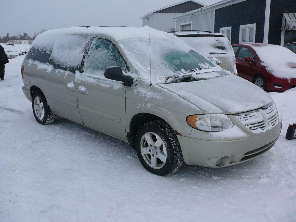 Dodge Grand Caravan SXT   DVD