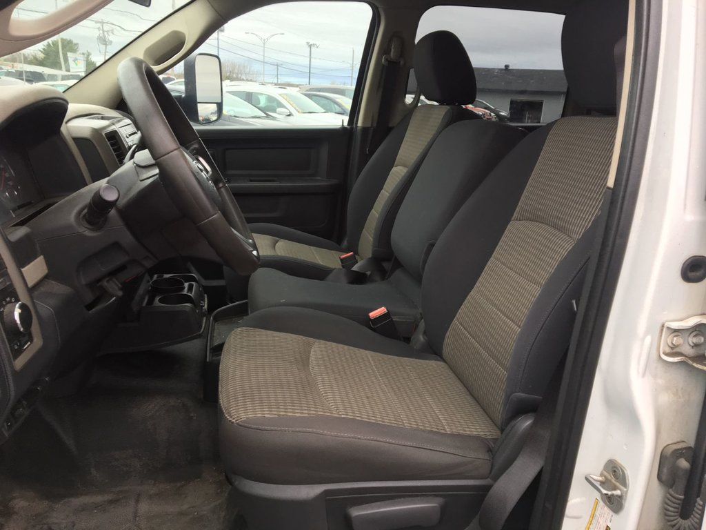 Dodge RAM 2500 2 RM V8 5,7 LITRES CABINE MUTIPLACES