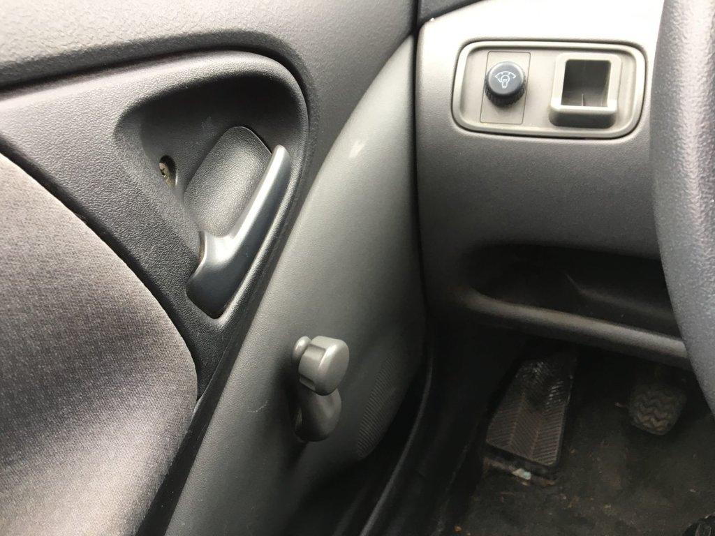 Toyota Echo LE MANUEL
