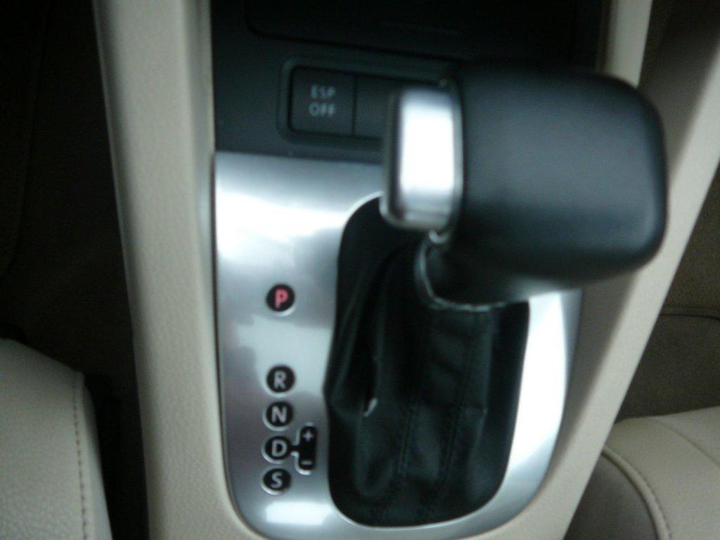 Volkswagen Eos Trendline + décapotable + cuir + km  bas