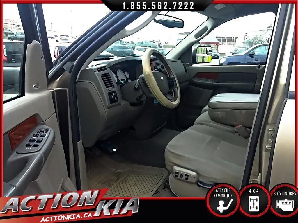 Dodge RAM 1500 Quad ST Boîte longue
