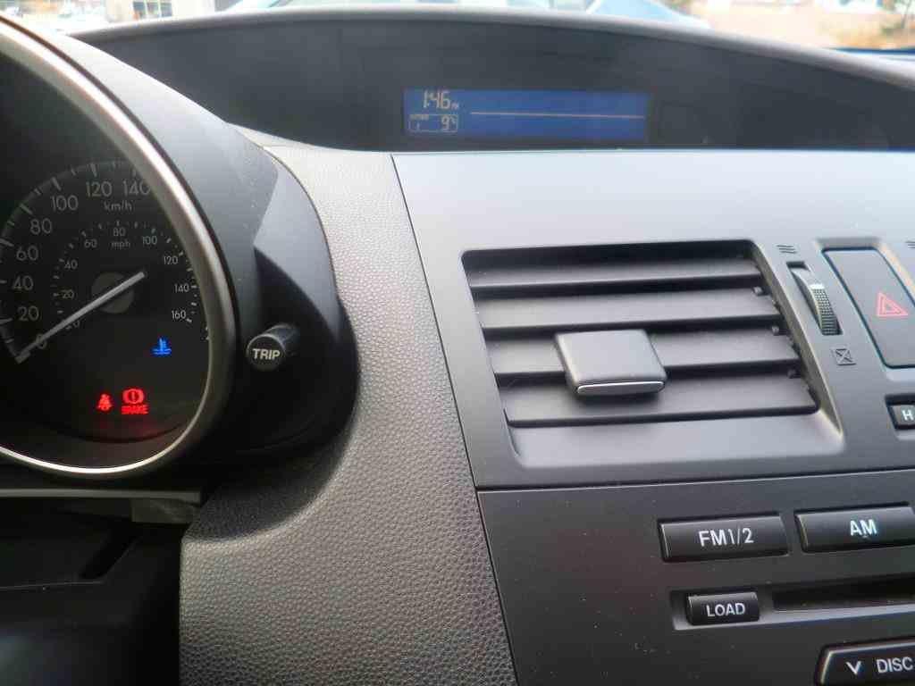 Mazda 3 GX, manuelle, très propre...