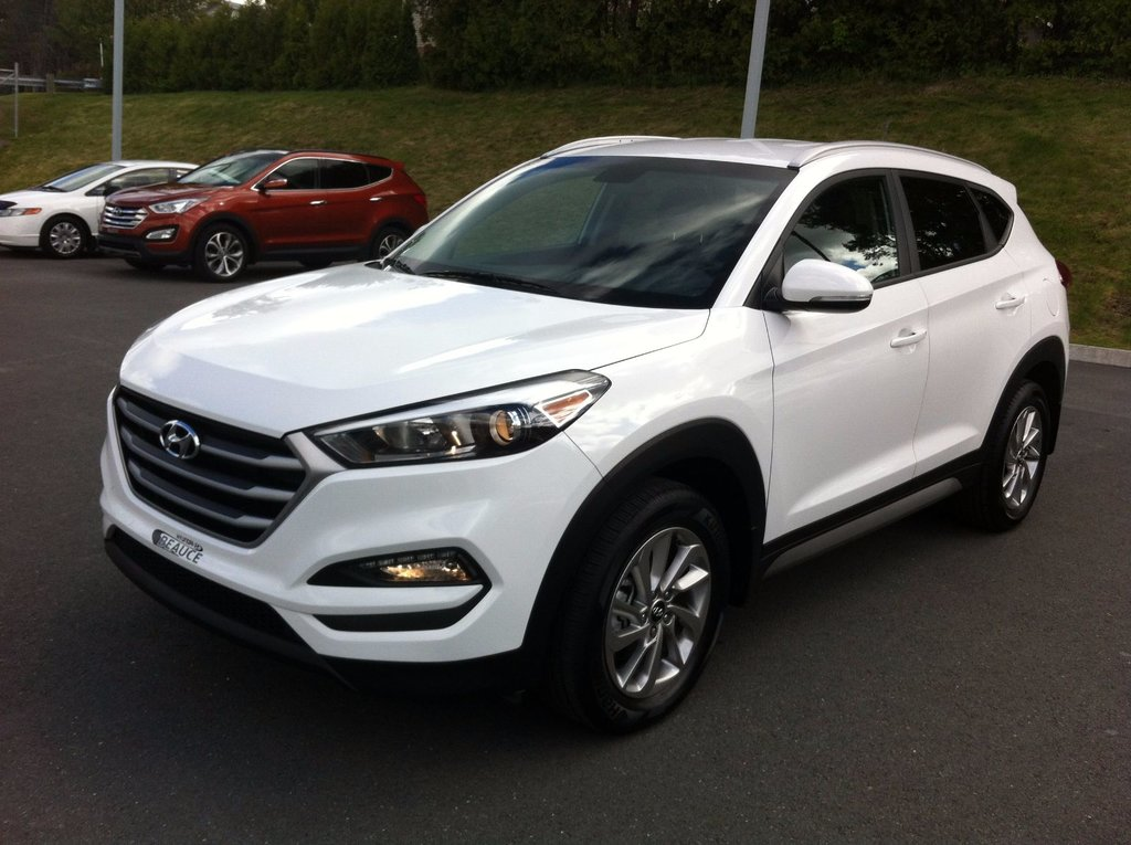 new 2017 hyundai tucson 2 0l awd premium for sale in saint georges sittelle mazda in saint. Black Bedroom Furniture Sets. Home Design Ideas