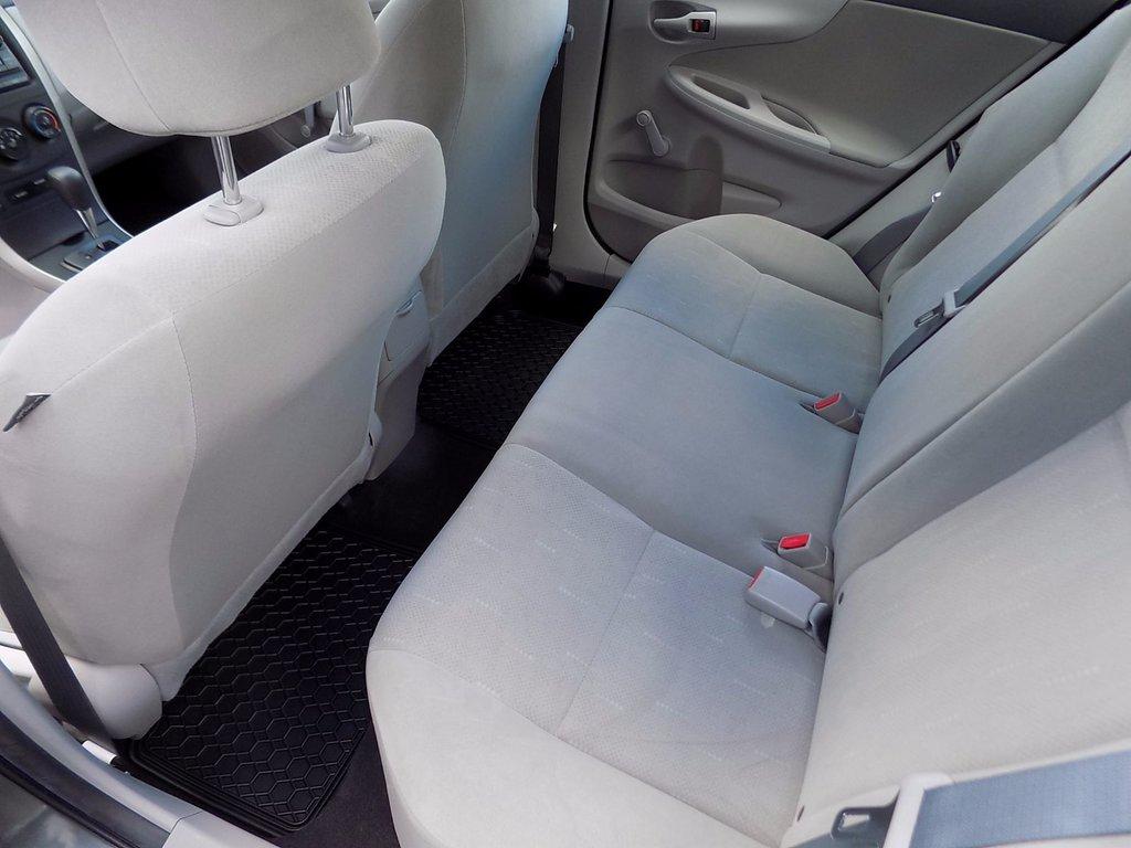 Toyota Corolla CE  Garantie  90 jours exp.