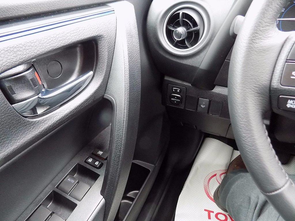 Toyota Corolla SE