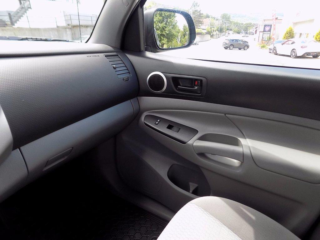 Toyota Tacoma SR5