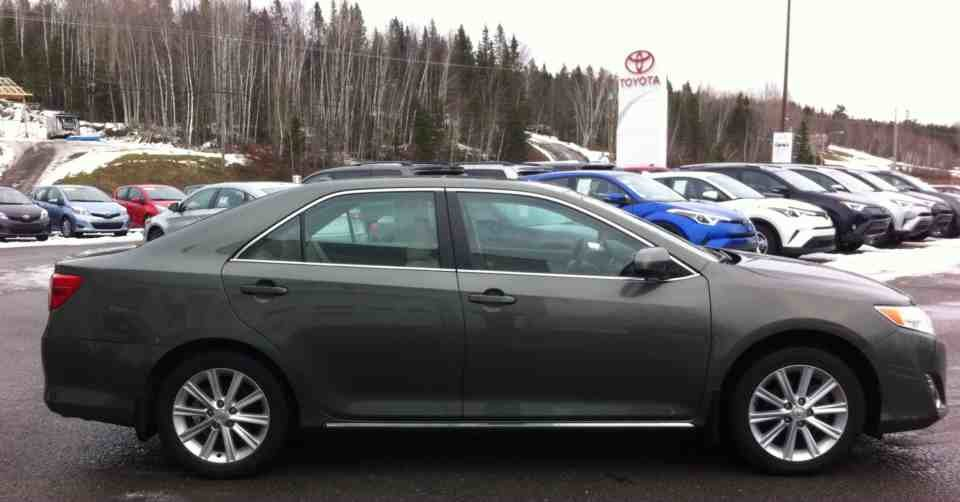 Toyota CAMRY XLE XLE
