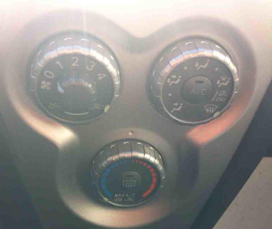 Toyota Yaris Sedan FK10