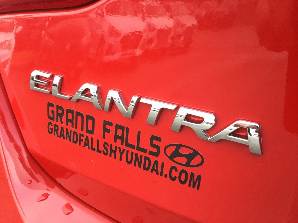 Hyundai Elantra GT GLS - PANORAMIC ROOF