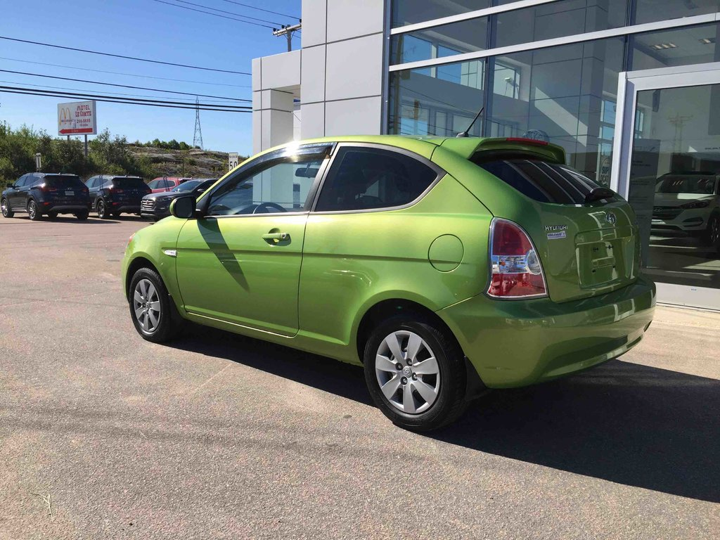 used 2011 hyundai accent l in baie comeau used inventory. Black Bedroom Furniture Sets. Home Design Ideas