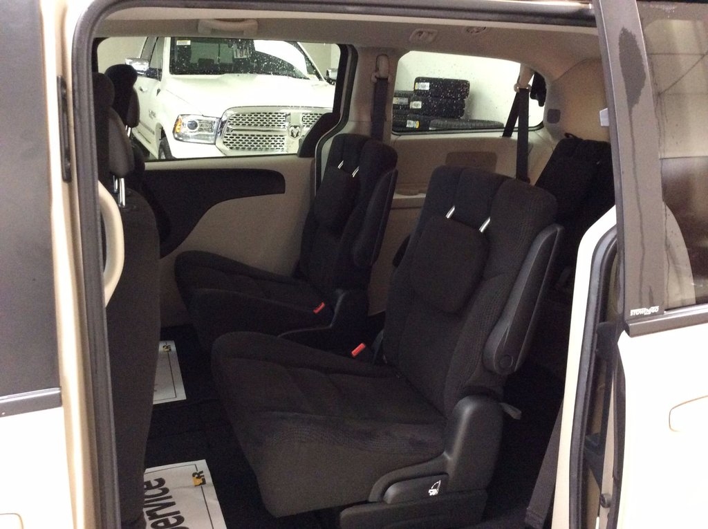 2014 dodge grand caravan sxt d 39 occasion laurier station inventaire d 39 occasion automobile. Black Bedroom Furniture Sets. Home Design Ideas