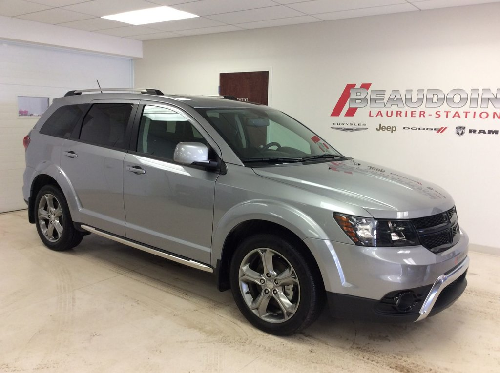 inventory pre sunroof suv crossroad dodge leather journey heated certified owned used dvd awd nav kms rear