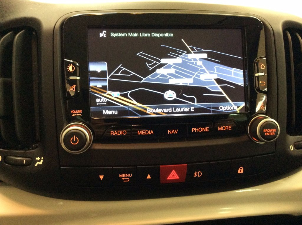 used 2014 fiat 500l toit ouvrant panoramique cuir gps in laurier station used inventory. Black Bedroom Furniture Sets. Home Design Ideas