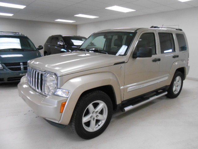 2010 jeep liberty limited edition 4x4 int rieur cuir toit ouvrant d 39 occasion laurier station. Black Bedroom Furniture Sets. Home Design Ideas