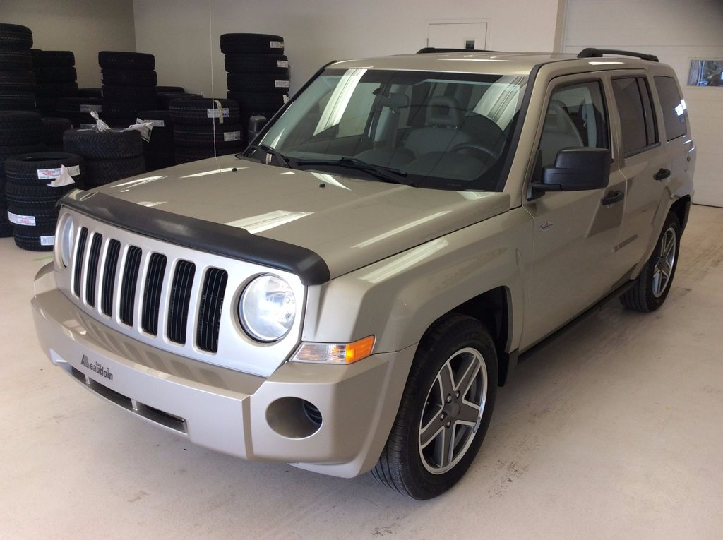 2009 jeep patriot sport 4x4 auto si ge chauffant d. Black Bedroom Furniture Sets. Home Design Ideas