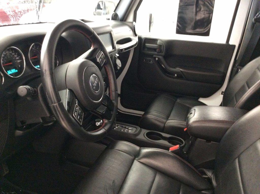 2012 jeep wrangler 2 portes 4x4xint cuir ensemble 2 toits d 39 occasion laurier station. Black Bedroom Furniture Sets. Home Design Ideas